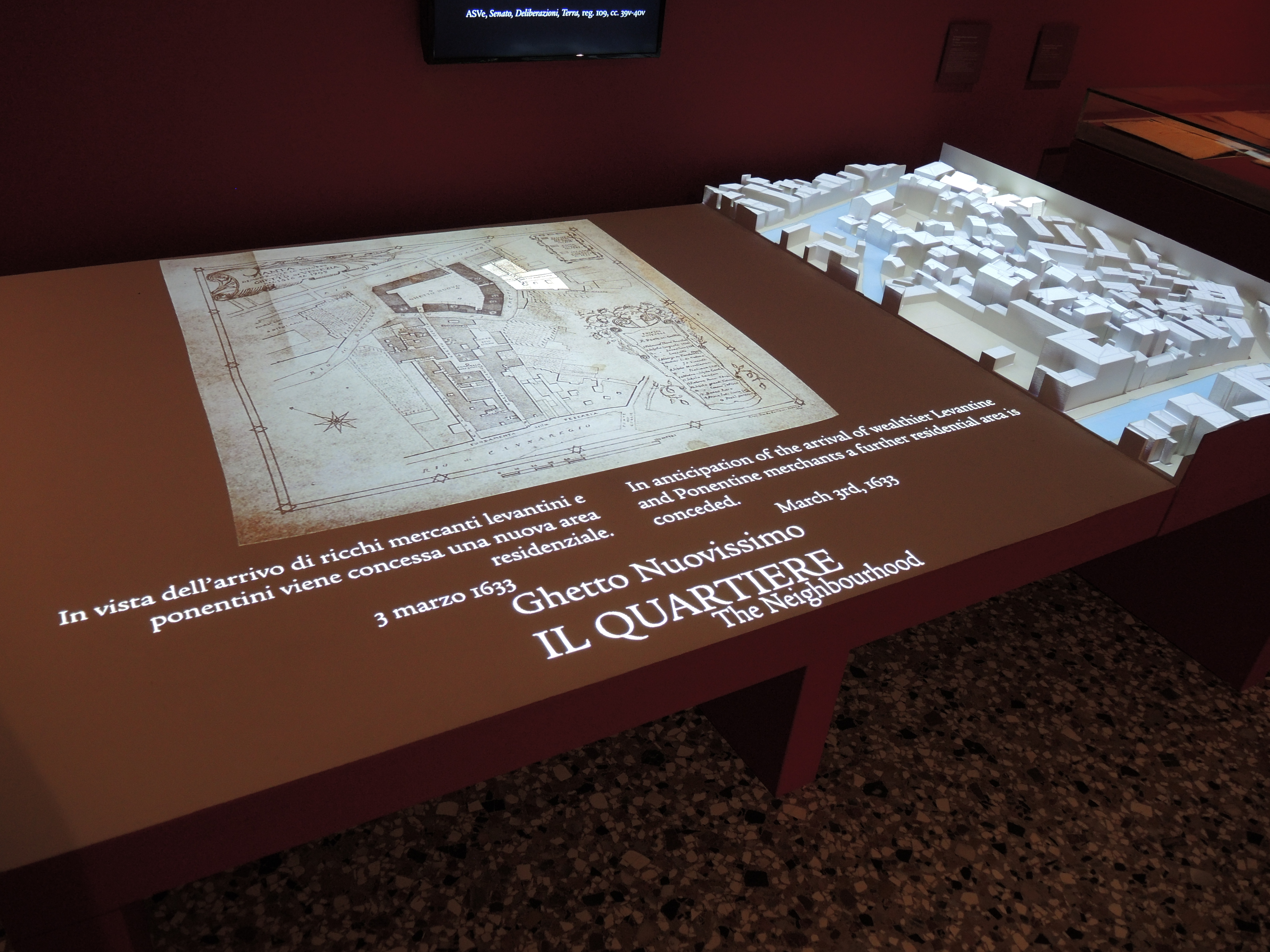 A virtual reconstruction of the Ghetto explains to visitors through a screen the evolution of the Ghetto through the centuries