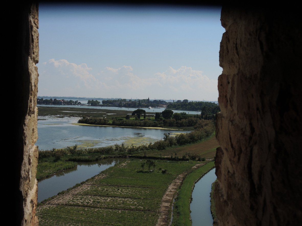 A window with a view in Torcello
