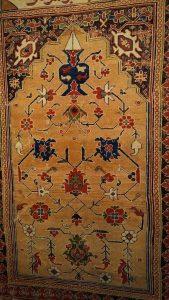 Niche Carpet 'Transilvanya' from Western Anatolya - 1600 ca